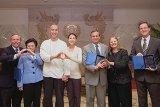 Церемония вступления в должность новых региональных пасторов Церкви Объединения США
